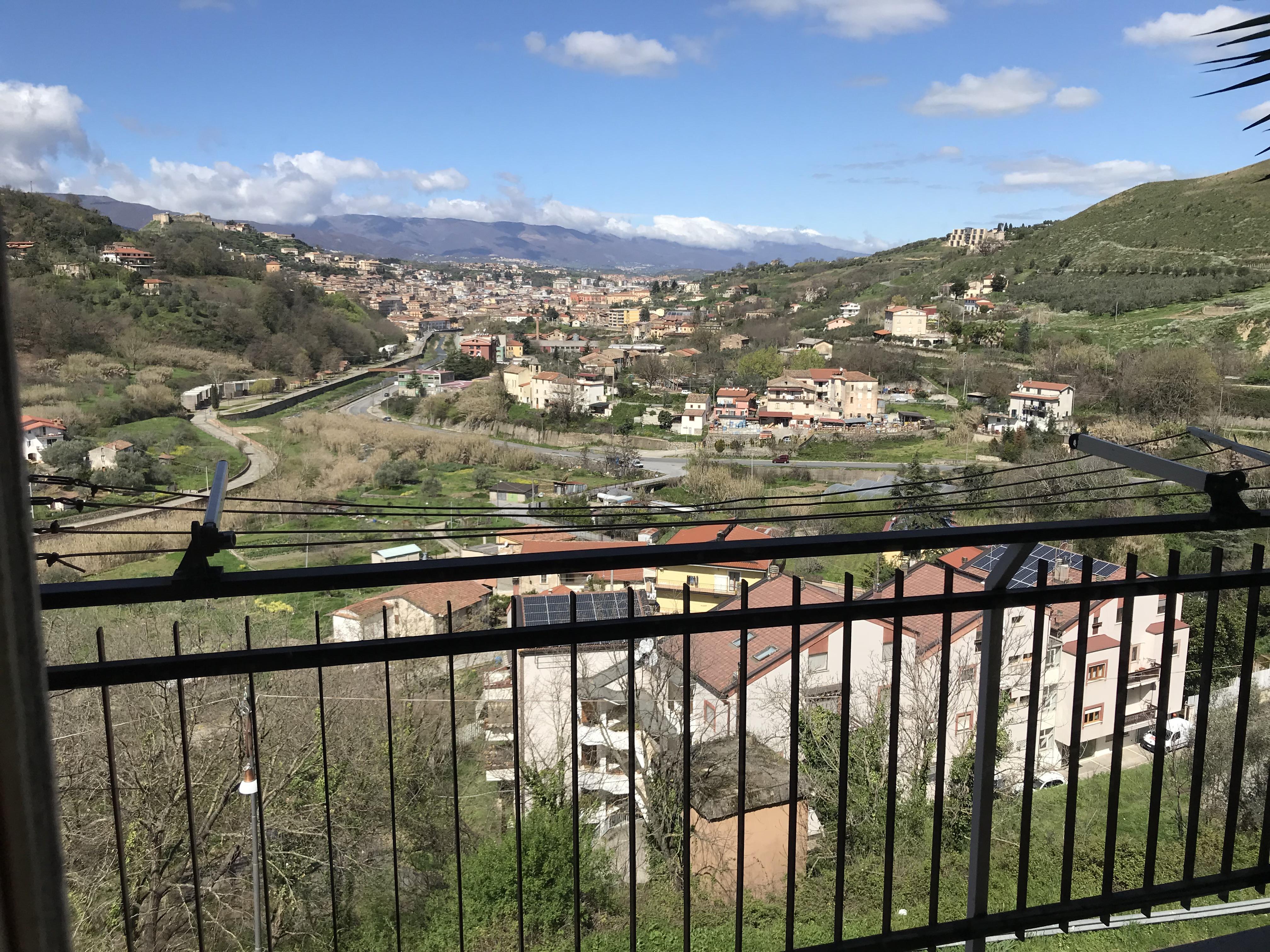 Appartamento alla Fraz. Morelli di Casali Del Manco a 2 Km. da CS